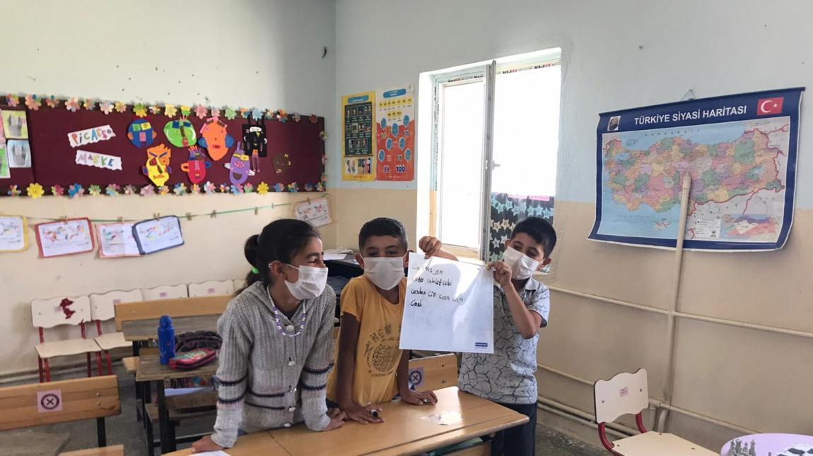 4-A Sınıfı Öğrencileri Kelime Oyunu Oynadılar
